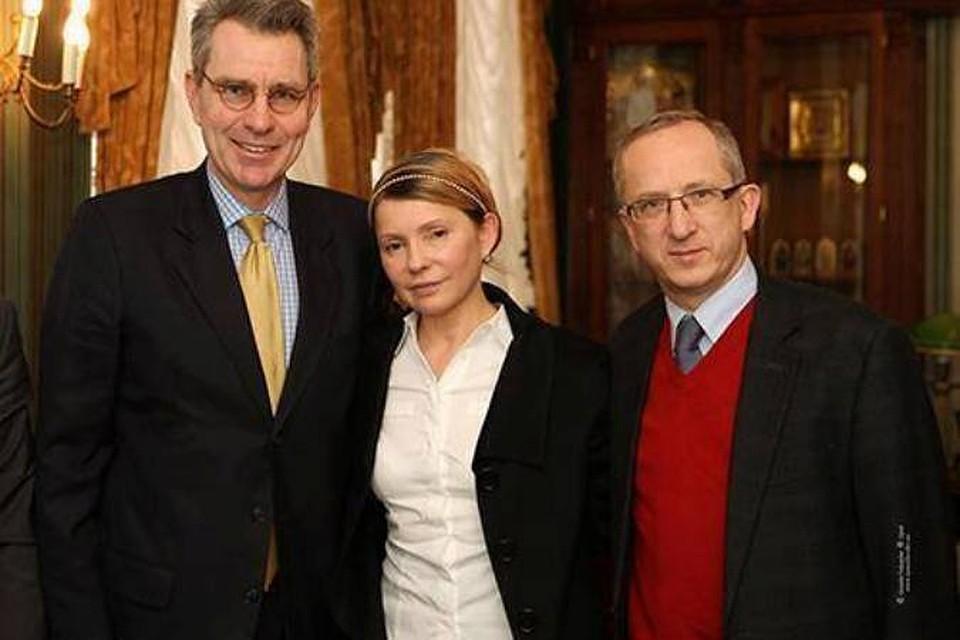 Тимошенко встала и пошла