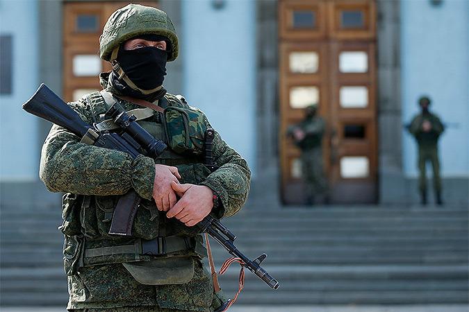 Военнослужащие Вооруженных сил Украины, проходящие службу в дислоцированных в Крыму частях, переходят на сторону сил самообороны