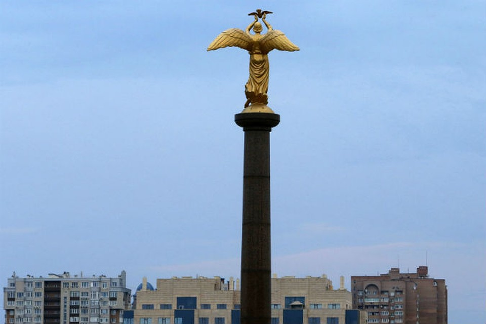 Статуя «Добрый ангел мира» в Донецке