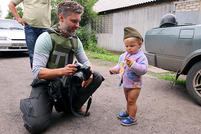 СК подтвердил гибель фотокорреспондента Стенина