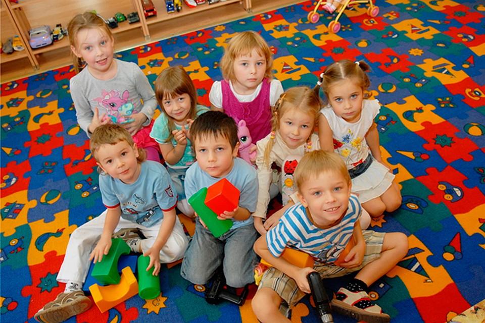 Имеют ли право родители гл¤деть за ребенком в саду