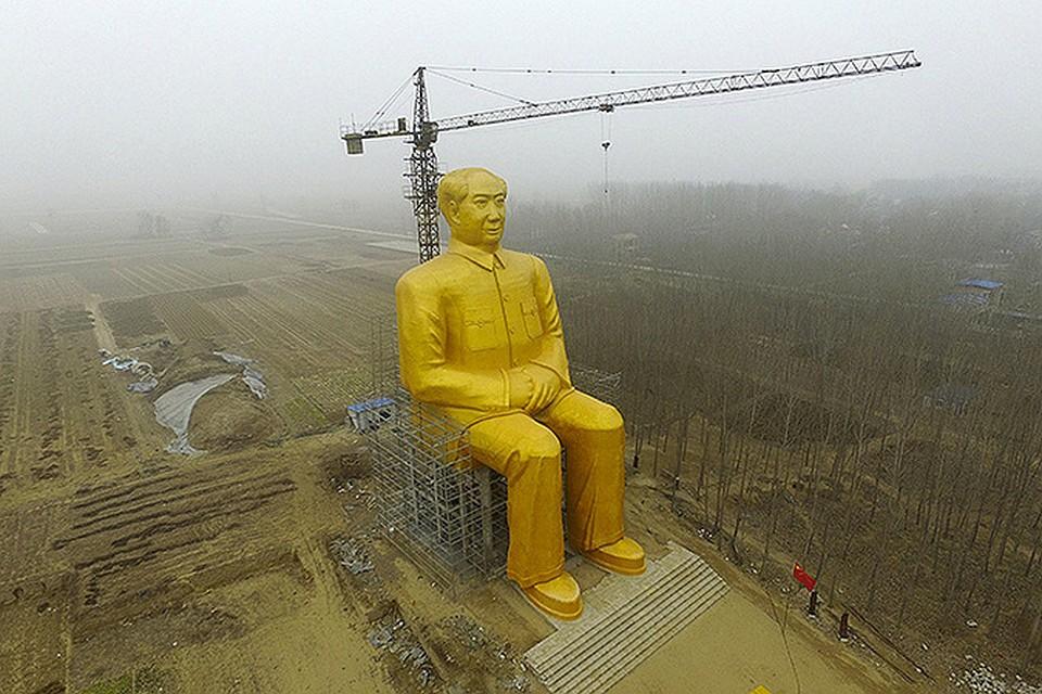 В китайской глубинке появилась 36-метровая статуя Мао Цзэдуна