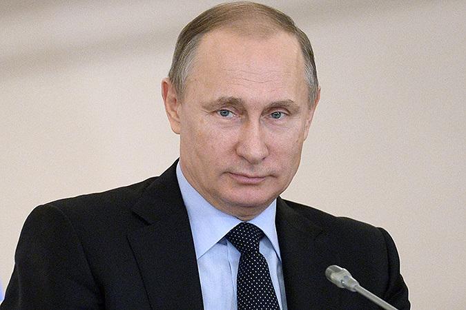 Владимир Путин дал поручения по отмене транспортного налога для большегрузов