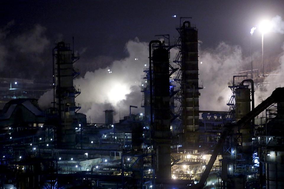 У России в 2015 году бюджет зависел от нефтедоходов на 44%. В Саудовской Аравии экономика зависит от экспорта нефти на 90%. Почувствуйте разницу.