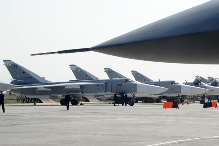 Российские истребители на авиабазе Хмеймим