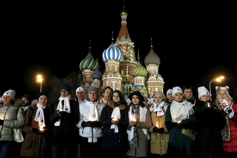 У стен Кремля почтили памятьпогибших в авиакатастрофе в Ростове-на-Дону