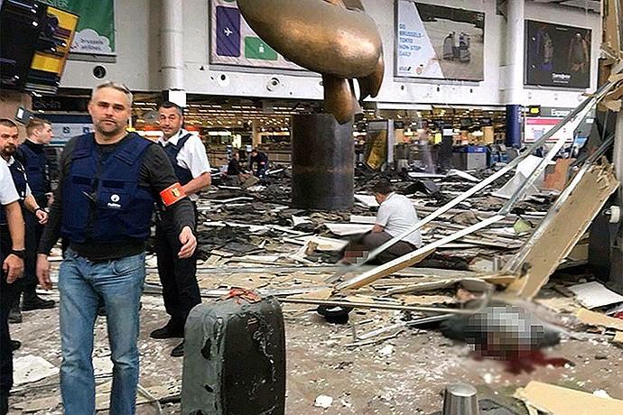 Последствия взрыва в аэропорту Завентем. Фото:Твиттер @StudioElective