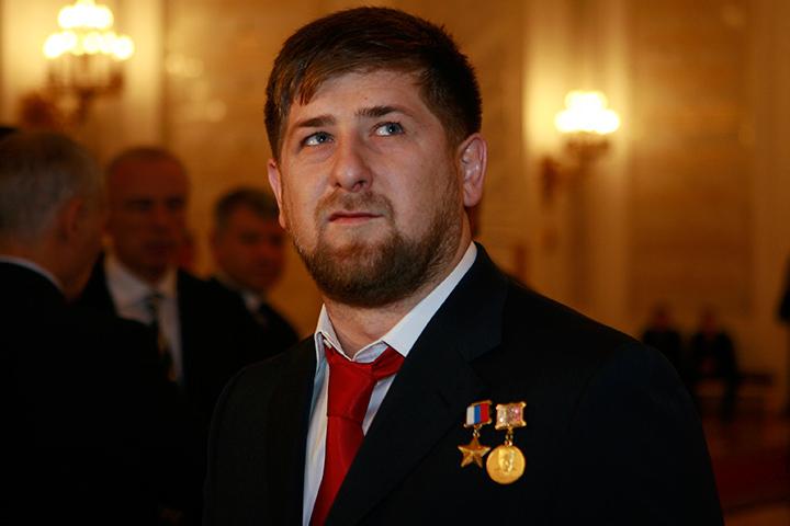 И Запад пока не убрал из колоды своего запасного джокера - Чечню, но вот Чечня окончательно убрала Запад из своих надежд и оставит себе Кадырова