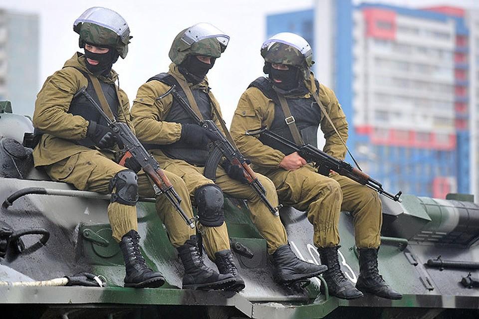 Девушки в национальной гвардии каталонии фото