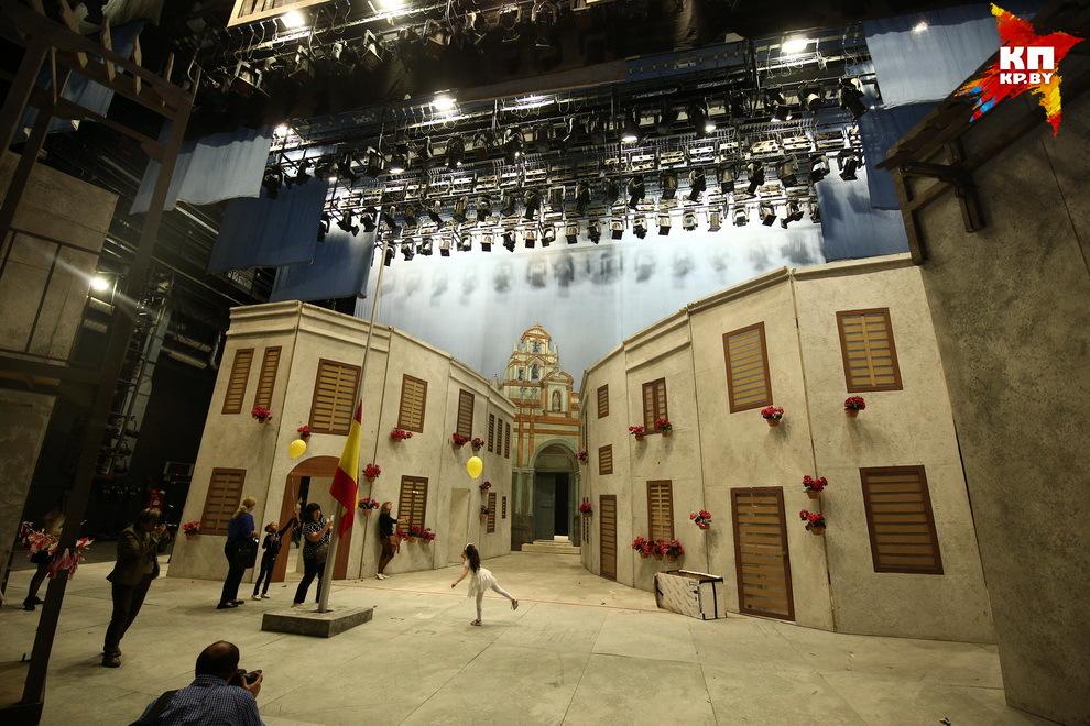 25 мая 1933 года Театр оперы и балета открылся оперой «Кармен»