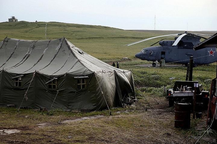 Экспедиция Минобороны обнаружила на Курилах японский самолет времен ВОВ. Фото: Сергей Фадеичев/ТАСС