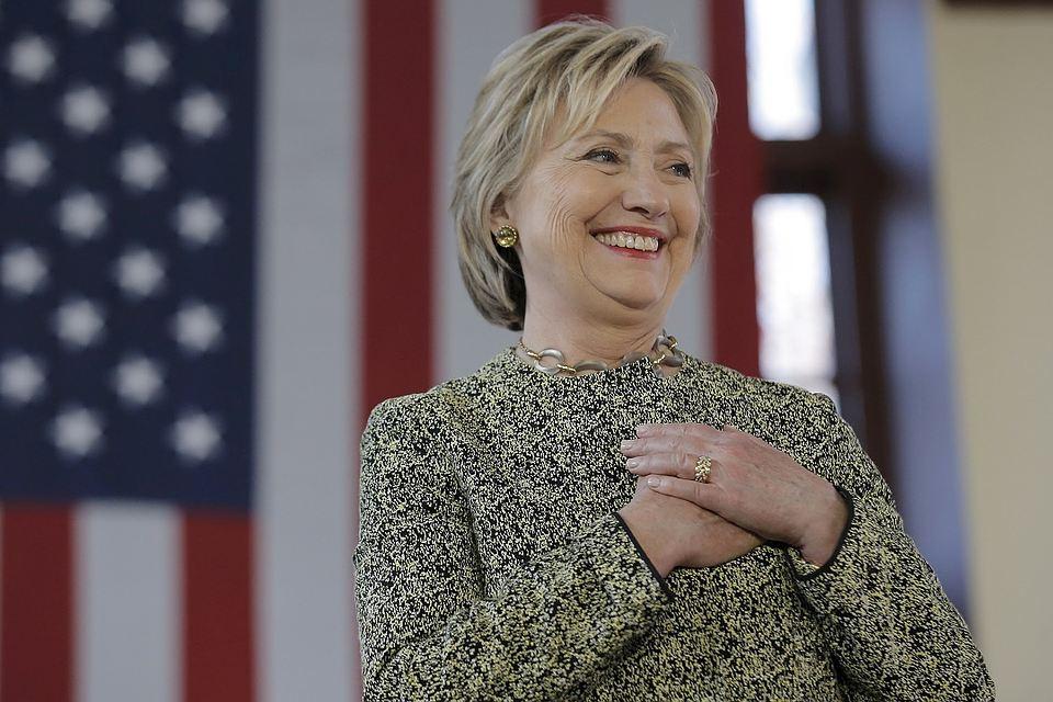 Хиллари рада снова стать бабушкой