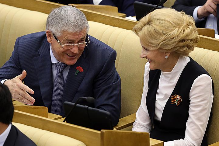 К решающему голосованию поправки уже смягчили, но они по-прежнему бурно обсуждаются. Фото: Артем Коротаев/ТАСС