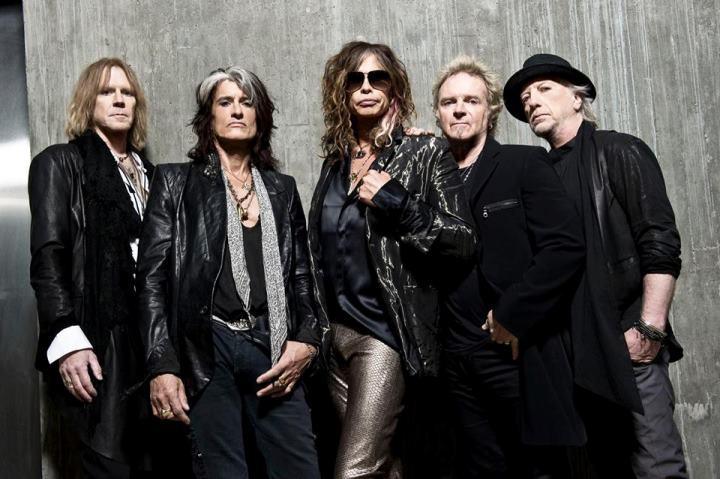 Рок-группа Aerosmith в следующем году едет в прощальный тур