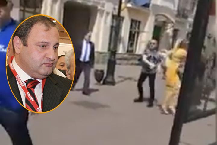 В напавшем на прохожих мужчине узнали экс-чиновника столичной мэрии Эраста Матаева Фото: ИТАР-ТАСС/ Марина Лысцева, скриншот с видео