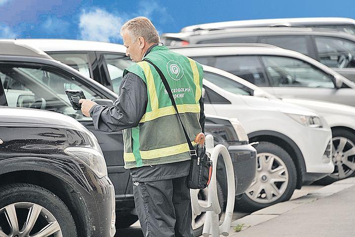 На такой бесплатной парковке автомобилистам не придется переживать из-за возможных штрафов.