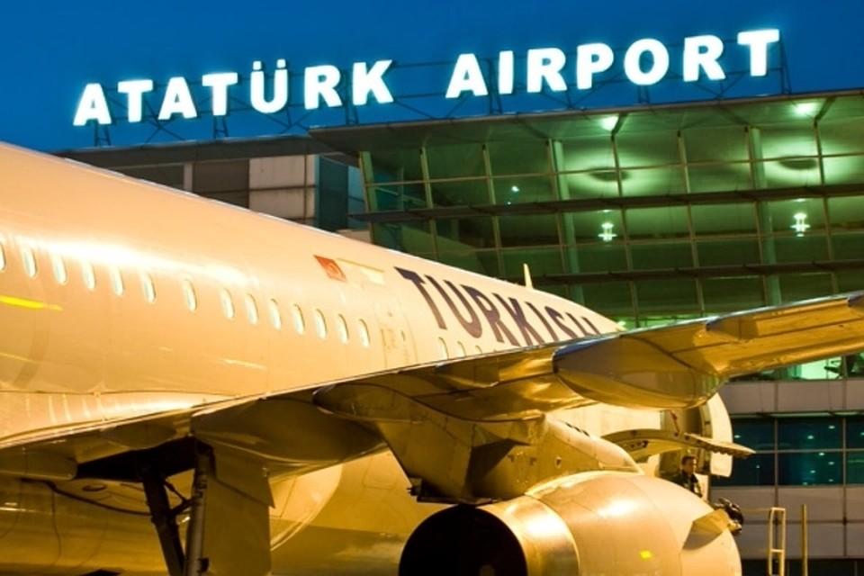 В аэропорту Стамбула 28 июня смертники устроили два взрыва