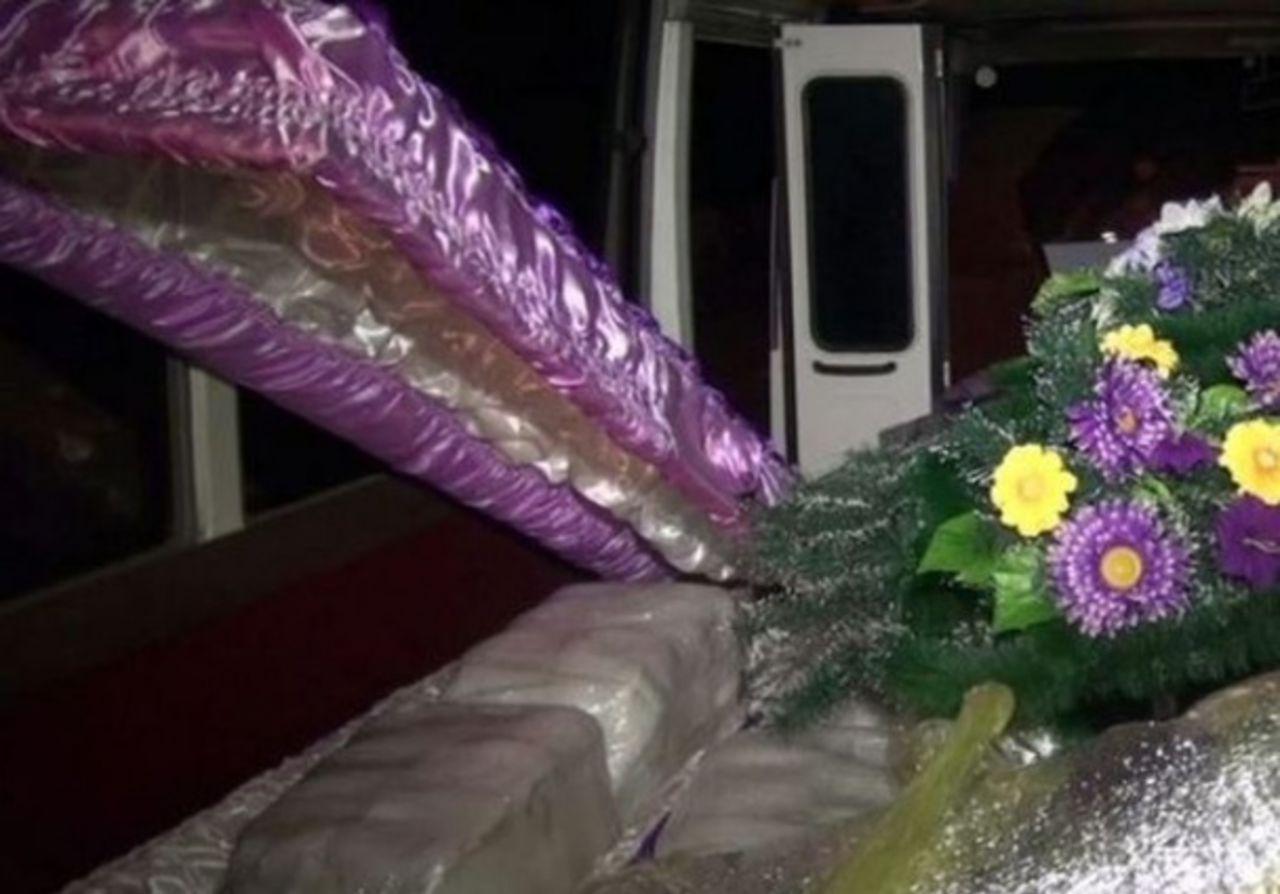 Икру вместо покойников возили вкатафалках вХабаровск