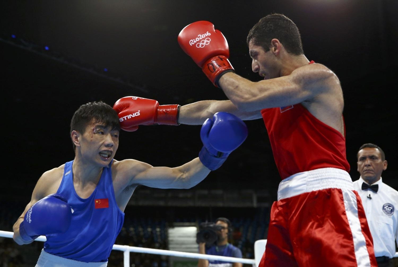 Боксер Миша Алоян завоевал серебряную медаль Олимпиады