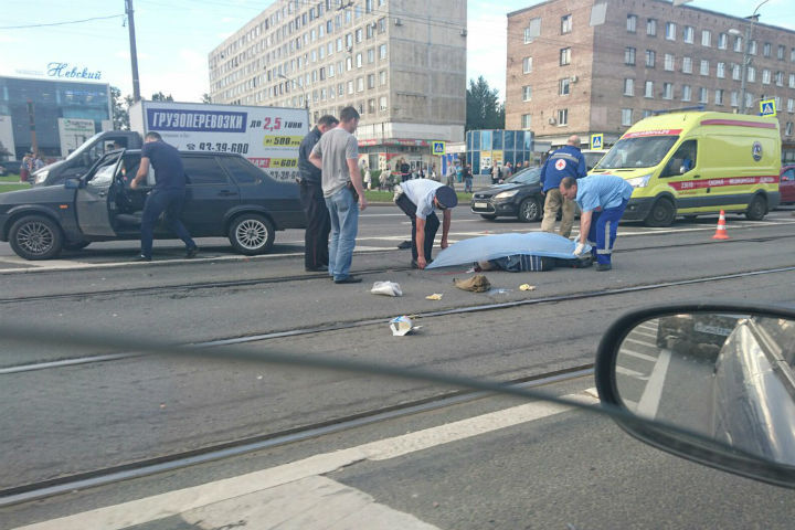 «Лада» сбила насмерть пожилого мужчину-пешехода наулице Народной