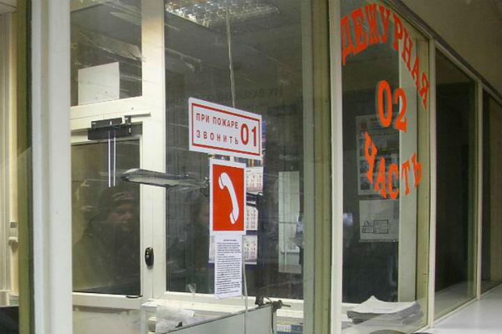 ВПетербурге пьяная женщина зарезала своего мужа наулице Маршала Захарова