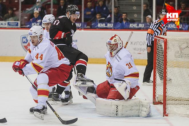 Финский «Йокерит» обыграл навыезде челябинский «Трактор» вматче чемпионата КХЛ