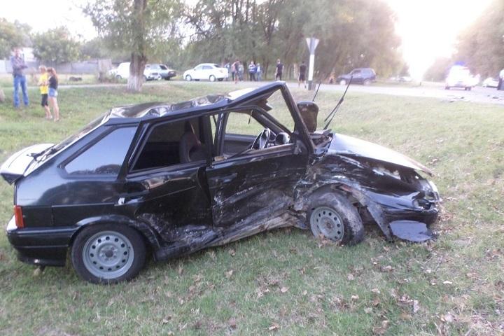 НаСтаврополье девятнадцатилетний шофёр устроил ДТП спострадавшими