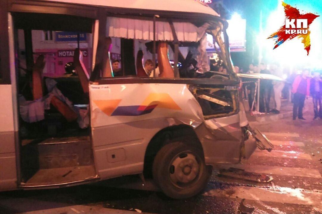 ВИркутске случилось серьезное ДТП сучастием 2-х автобусов: есть жертвы