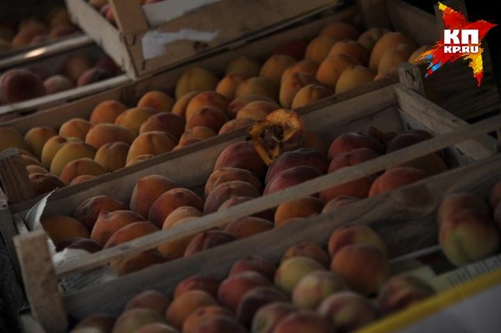 Санкционные персики сожгли вКемерове