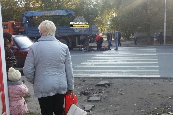 ВНовосибирске «КамАЗ» насмерть сбил мать троих детей