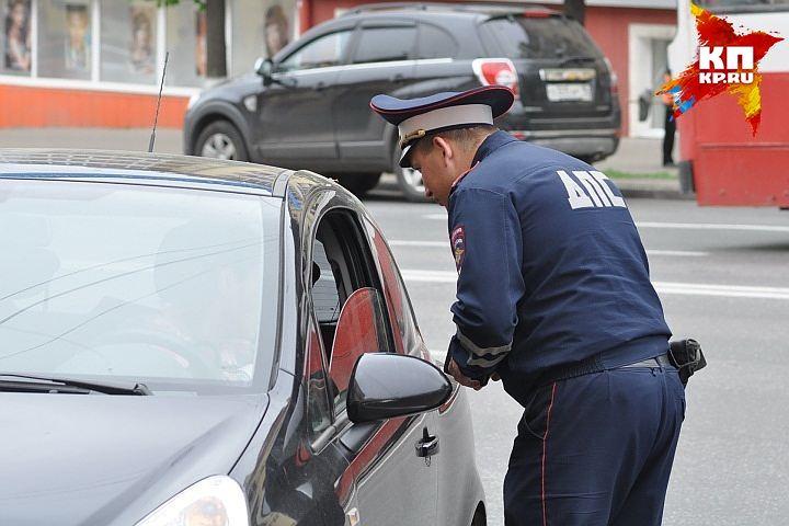 Всамом начале года водители Удмуртии 31 раз пытались дать взятку сотрудникам ГИБДД