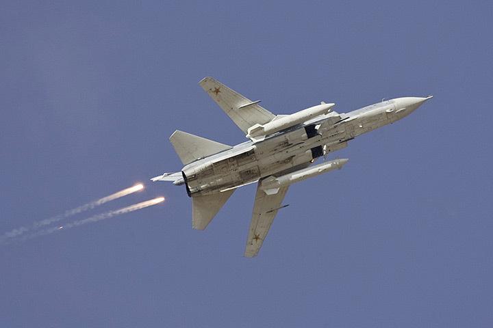 По данным Минобороны Эстонии, российский истребитель находился в воздушном пространстве ЭР менее минуты.