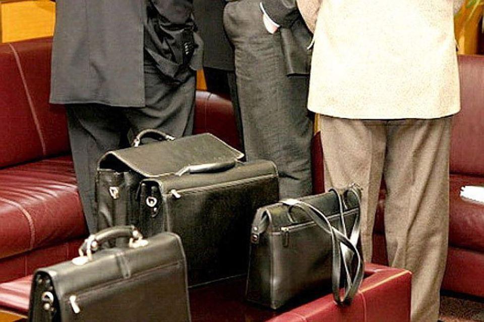 Латвийские депутаты подрались между собой. Фото: с сайта ej.ru