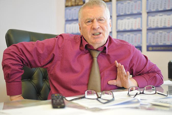 Владимир Вольфович, уезжая с работы, слушал в дороге Радио «Комсомольская правда» (97,2 FM) на эту тему и позвонил нам в прямой эфир