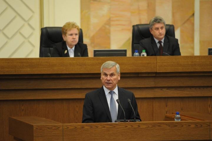 Спикером парламента в третий раз стал Владимир Андрейченко
