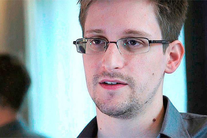 Эдвард Сноуден хочет получить премию норвежского ПЕН-клуба за вклад в защиту свободы слова.