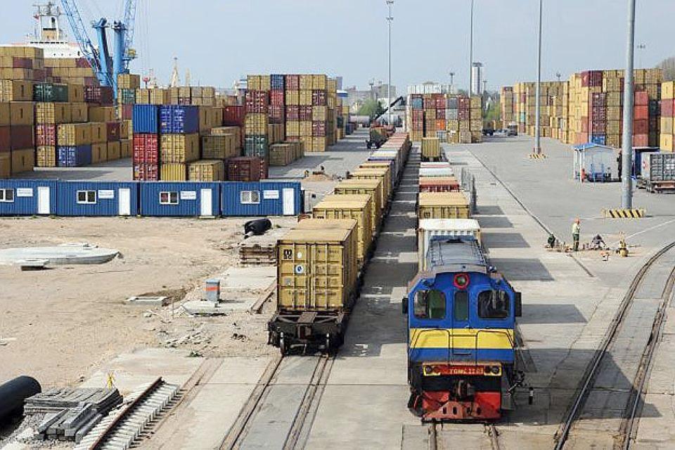 В случае ухода из Латвии российских грузов, она будет терять около 250 миллионов евро ежегодно. Фото: с сайта smelte.lt