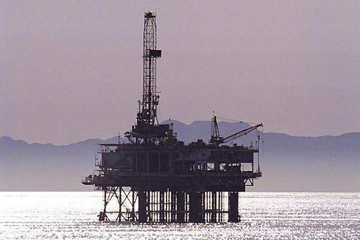 На дне Баренцева моря могут быть спрятаны несколько миллиардов баррелей неразведанных запасов углеводородов.