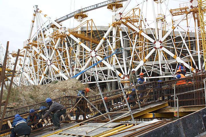 Вконце осени строители стадиона вВолгограде начнут собирать неповторимую вантовую крышу