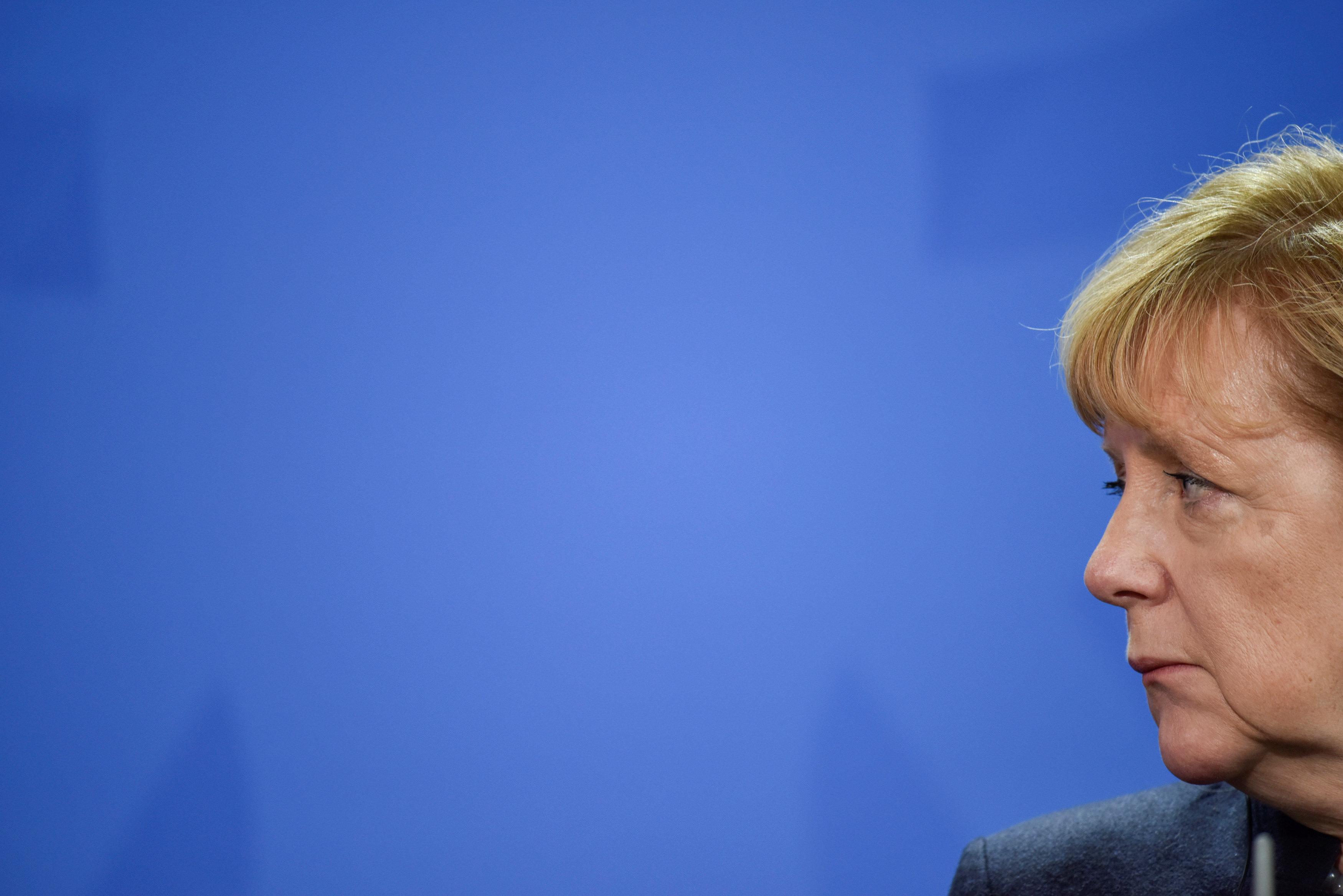 Ангела Меркель настаивает на новых санкциях в отношении Москвы.