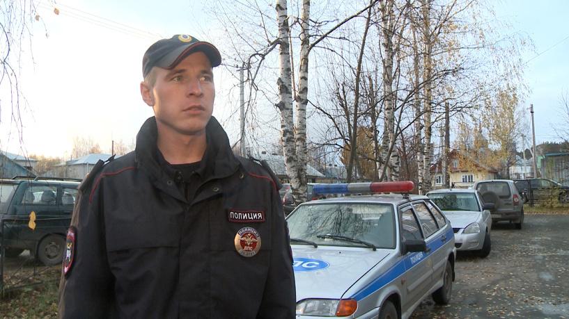 Полицейский приостановил машину спотерявшим сознание водителем