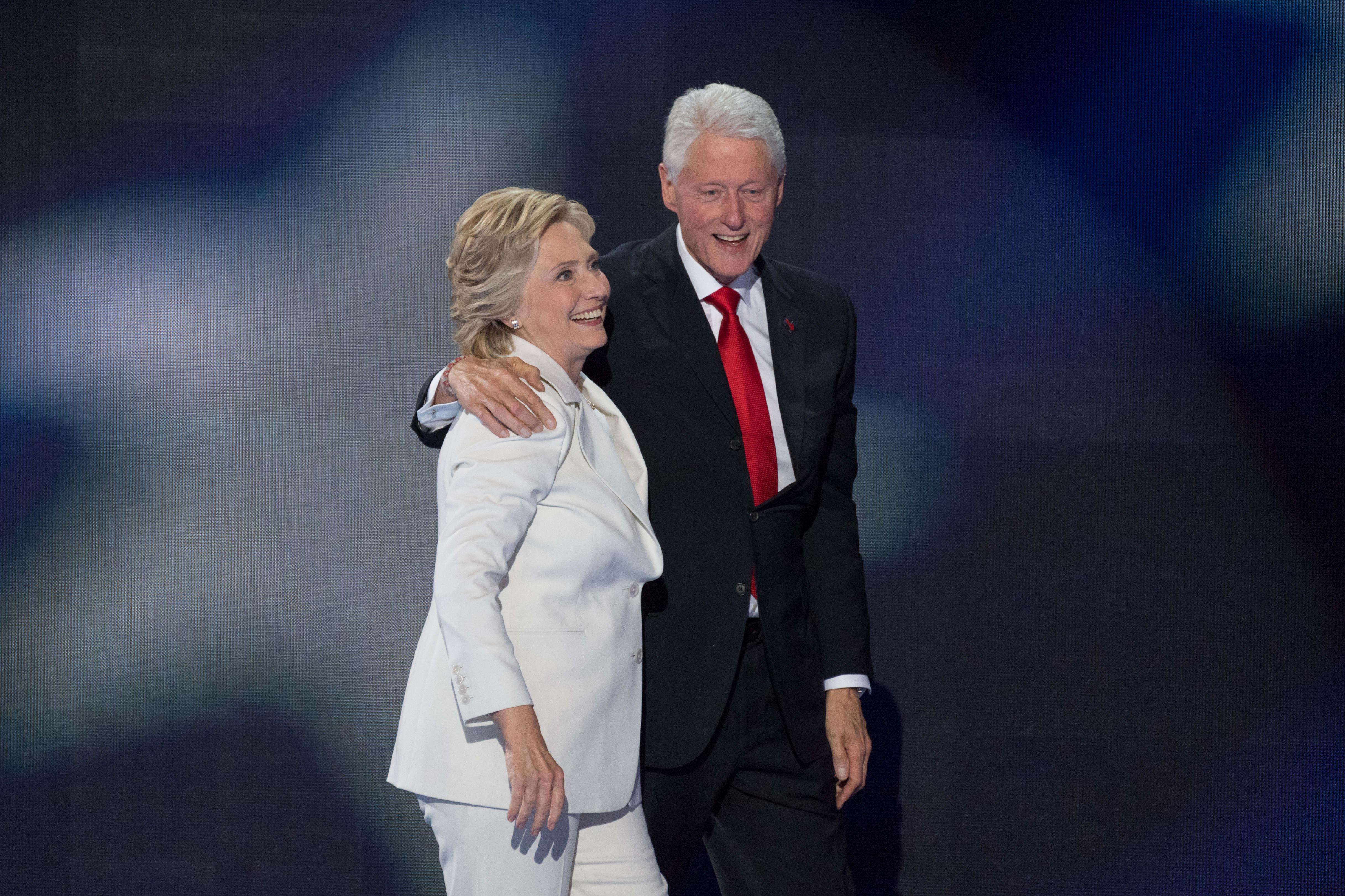 Хиллари и Билл Клинтон. Фото: Zuma\TASS