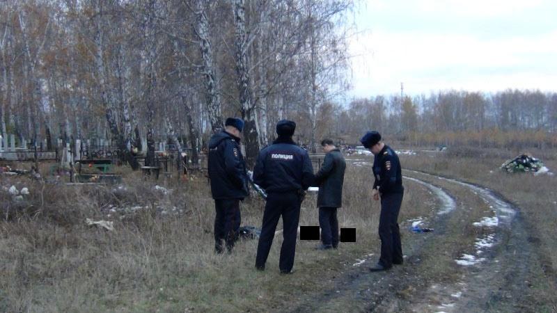 Начебаркульском кладбище найден труп женщины