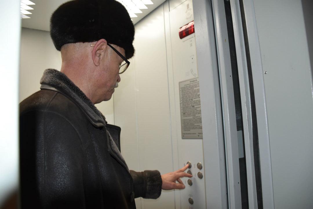 Нынешние лифты установили вмногоквартирных домах Новоалтайска