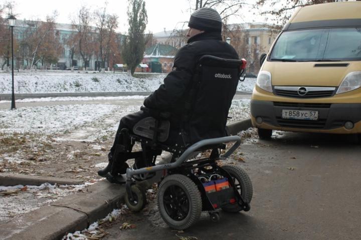 ВОрле проверили доступность юбилейных объектов для маломобильных городских жителей