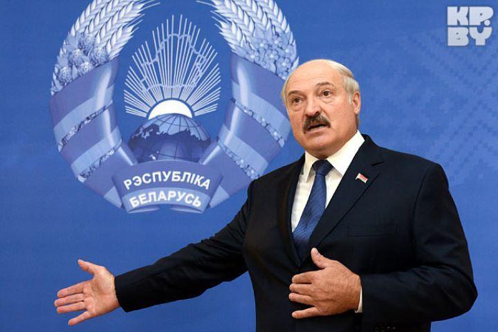 Александр Лукашенко принял с отчетом руководителя Администрации Президента