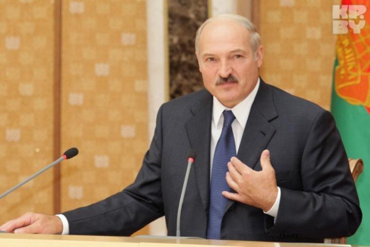 Яразбаловал белорусов— Лукашенко
