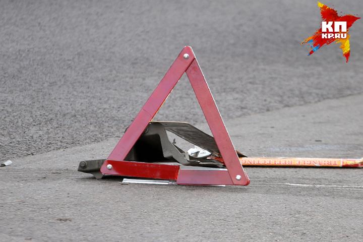 Пешеход-нарушитель попал под колеса авто вБрянске наКрасноармейской улице