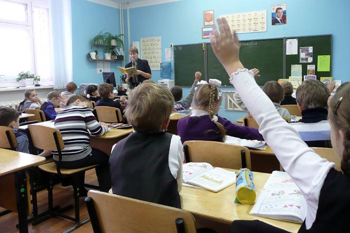 Учителя физики школы №1 подозревали визнасиловании ученицы