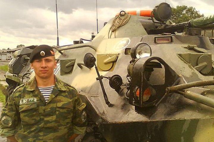 15 июня Андрей Тимошенков получил боевое задание: сопроводить гуманитарный конвой из военного лагеря под Пальмирой в провинцию Хомс. Фото: Минобороны РФ